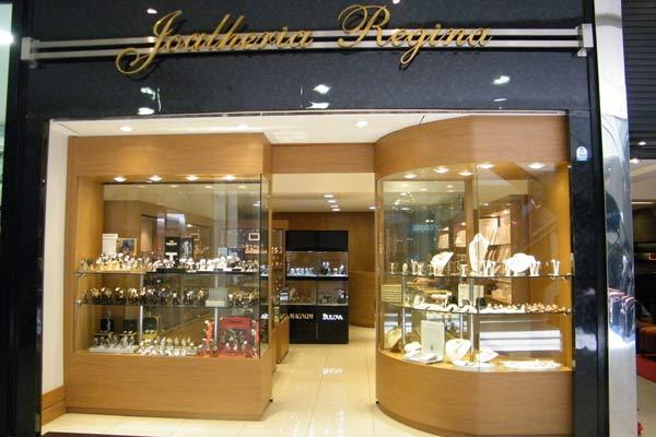 886447fc7ae Joalheria em shopping de Resende é assaltada por quatro homens armados e  encapuzados