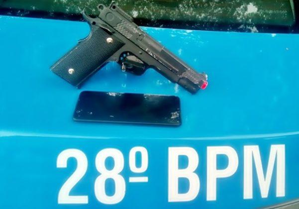 Arma falsa usada por suspeito