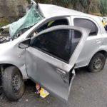 Mãe e filho morrem em acidente na Via Dutra