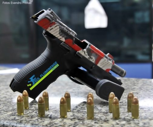Pistola usava para atacar a PM
