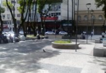 Praça é interditada pela prefeitura