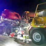 Caminhoneiro fica ferido em acidente na Via Dutra, em Volta Redonda