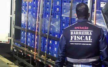 Barreira Fiscal aprende carga de cerveja sem nota.