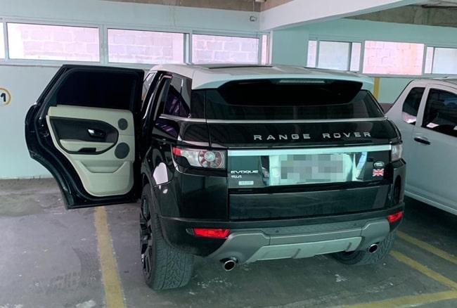 Carro de luxo foi encontrado com o o suspeito