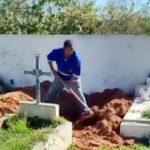 Coveiro flagrado sem EPI em Barra do Piraí