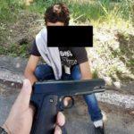 Ladrão fake é preso com arma falsa