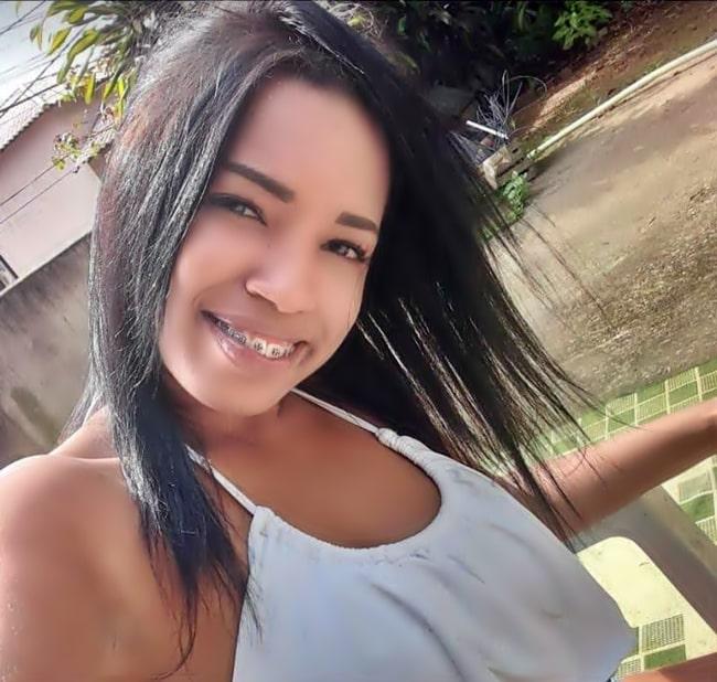 Jovem morreu depois de ser baleada pelo namorado