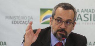 Ministro deixa o cargo da Educação depois de pressão política