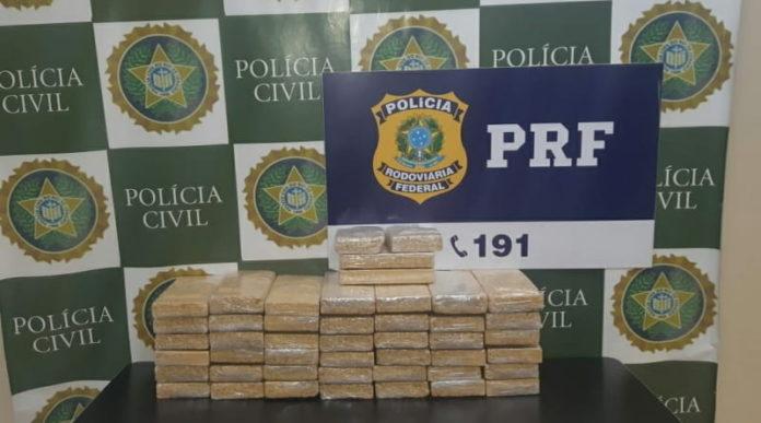 Casal é preso com 45 quilos de pasta base de cocaína, na Rio-Santos