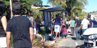 Carro atropela três pessoas em Barra do Piraí