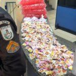 PM apreende 550 pinos de cocaína no Roma