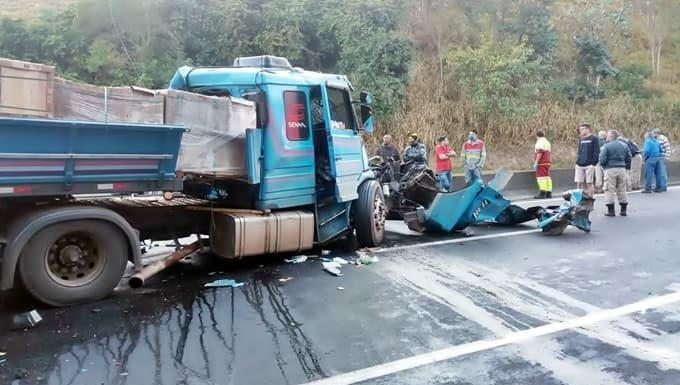 Acidente na Dutra deixa quatro feridos e congestionamento em Piraí