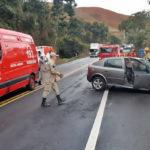 Acidente fere três pessoas e interdita BR-393, em Barra do Piraí