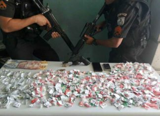 Dois suspeitos presos por tráfico no Morro da Conquista