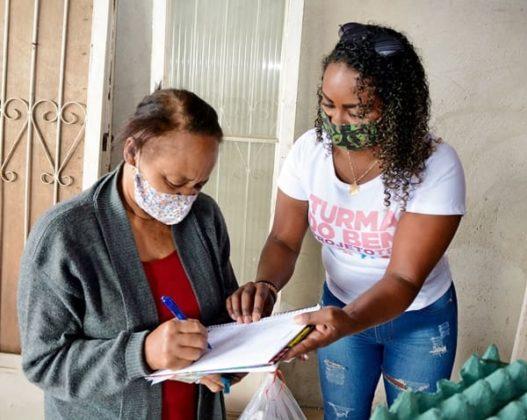 Os moradores passaram por um cadastro para receberem as doações.