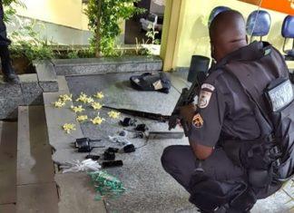 PM apreende fuzil, droga e jovem traficante no Sul do Rio