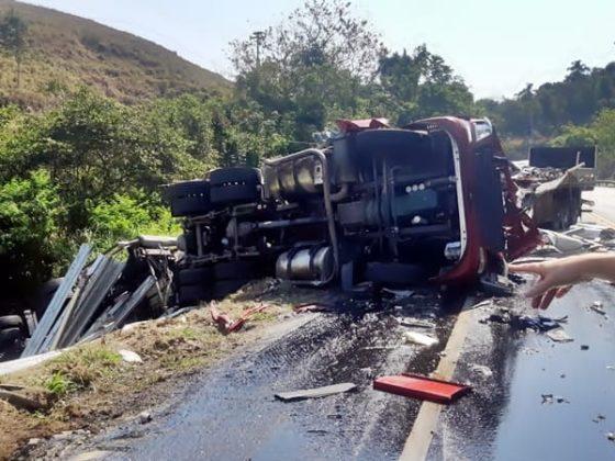 Motoristas morrem no acidente