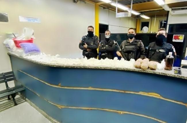 PM apreende quase 5kg de cocaína numa ação em Barra Mansa