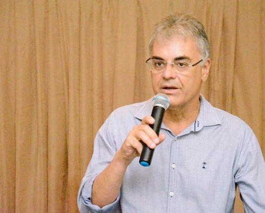 Evandro é empresário e defende desburocratização da máquina pública e reforma administrativa
