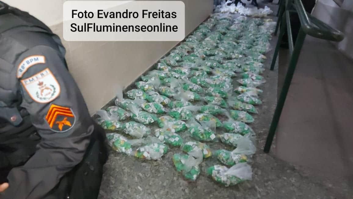 Droga estava em uma área de mata no Morro da Conquista