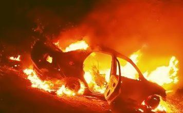 Corpo é encontrado em caro incendiado em Porto Real