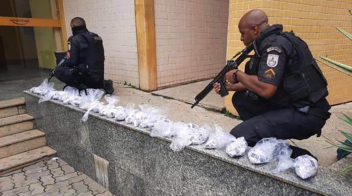 Dupla detida com cocaína, em Três Rios