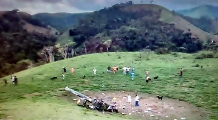 Helicóptero cai e mata duas pessoas em Rio Claro