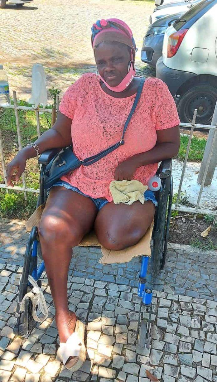 Cadeirante de Barra do Piraí precisa de ajuda para conseguir uma cadeira nova