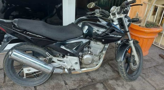 Morador de Volta Redonda procura por placa perdida de moto