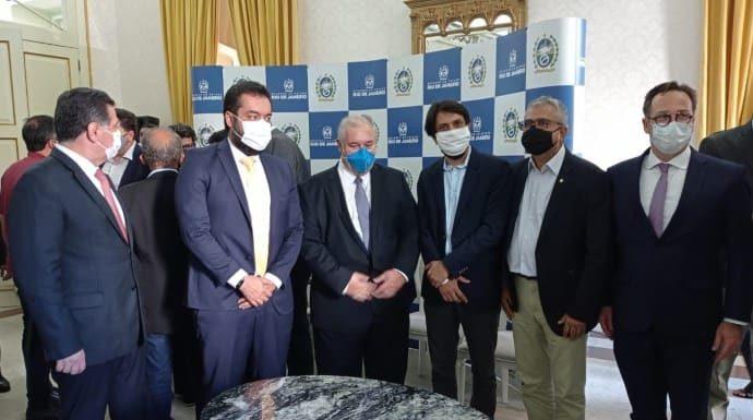 Governador do Rio formaliza a 'Lei do Aço' de instalação do Polo Metalmecânico