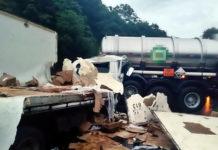Caminhoneiro morre em acidente entre carretas na Via Dutra