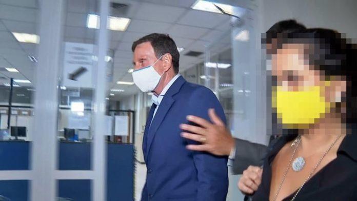 Crivella é preso por suspeita de corrupção dentro da prefeitura do Rio