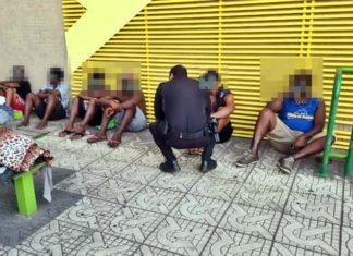 PM faz abordagem no Centro de VR após denúncias envolvendo moradores de rua