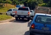 Jovem morre em acidente entre carro e moto na Lúcio Meira, em Vassouras