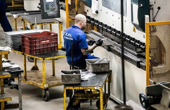 Indústria tem recuperação de empregos no fim de 2020