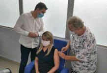 Resende aplica as primeiras doses da vacina contra o Covid-19