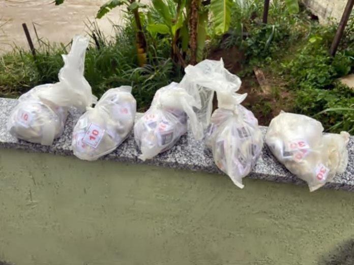 PM apreendeu quase 320 pinos de cocaína, em Três Rios