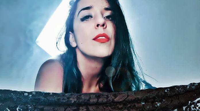 Cantora de Volta Redonda lança single no Dia Internacional da Mulher