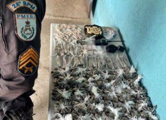 Dupla com droga é presa no condomínio de Três Poços