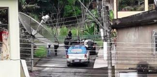 Dupla de moto rouba carga de cigarros em Volta Redonda