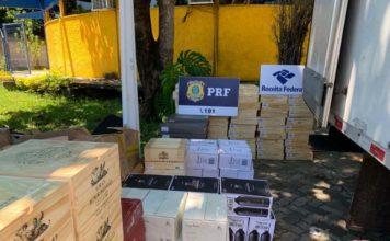 PRF e Receita Federal apreendem caixas de vinhos em Barra Mansa