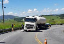 Motociclista morre em acidente com carreta, em Resende