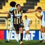 Voltaço vence Macaé e segue líder do Campeonato Carioca