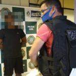Suspeito detido após agredir e ameaça mulher com arma, em Volta Redonda