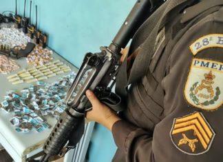 VR: Mulher é detida com drogas, arma e munições no Belmonte