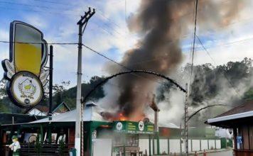 Incêndio atinge restaurante famoso no distrito de Penedo, em Itatiaia