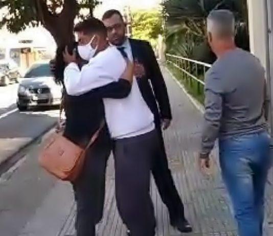 Procurado por suspeita de participação em homicídio se entrega em VR