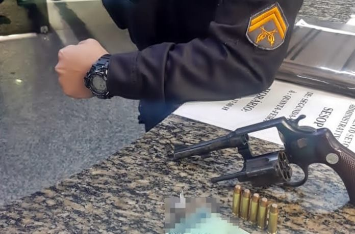 Suspeito de homicídio em bairro de Resende é preso armado