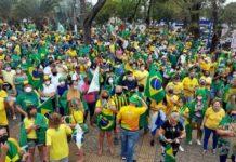 Bolsonaristas fazem ato pro-governo em duas cidades do Sul do Rio